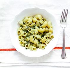Skinny Pesto Mac and Cheese with Greek Yogurt Recipe