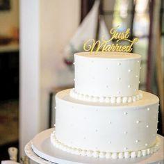 ナチュラルお洒落!大人デザインのウェディングケーキ特集* | marry[マリー] Beautiful Wedding Cakes, Dream Wedding, My Favorite Food, Amazing Cakes, Vanilla Cake, Birthday Cake, Sweets, Wedding Dresses, Wedding Ideas