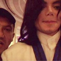 Possibly the only MJ selfie there is! Repin forever if you luv him. | What they talk about Michael Jackson ღ by ⊰@carlamartinsmj⊱