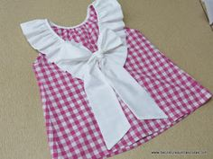 Not English but one I want to try Sewing Kids Clothes, Sewing For Kids, Baby Sewing, Doll Clothes, Dressmaking Course, Toddler Fashion, Kids Fashion, Little Girl Dresses, Girls Dresses