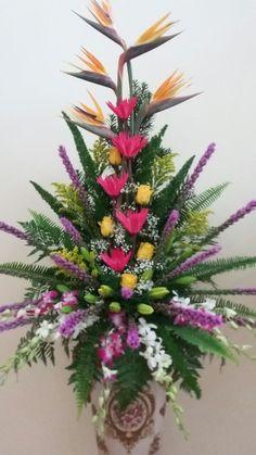 Flowers arrangements by: Nguyen Mẫn