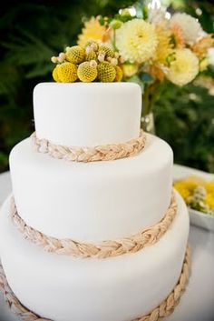 Braided straw on a cake? Perfect addition to spruce up a white cake, while still keeping it simple. #ChrisBunkerPhotography