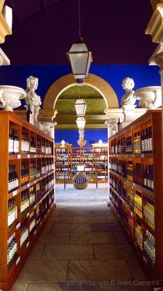 Bacalhôa Buddha Eden Great Places, Places To Go, Portugal, Palace, Buddha, Restaurants, Design, Places, Viajes