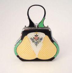 Beautiful deco enamelled purse. Onto Boylerpf