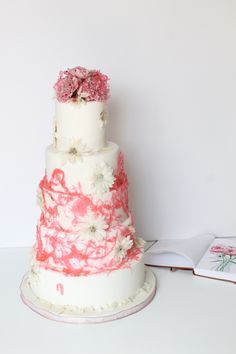 Summer Weddings! #prettyinpink #pink #candied #daisies #carnations #cakecanvas #cakes #weddings #pretty Personalized Cakes, Summer Weddings, Carnations, Daisies, Pretty In Pink, Canvas, Tela, Margaritas, Personalised Cakes