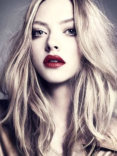 Amanda Seyfried Hair and Makeup Pictures - Amanda Seyfried Holiday Beauty Photo Shoot - Marie Claire on we heart it / visual bookmark #17946195