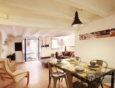 Two-bedroom-apartment right in the Gothic Quarter http://www.oh-barcelona.com/en/barcelona-apartments/ref_102322/?utm_source=pinterest_medium=social_content=accommodation_campaign=board