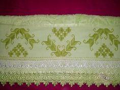 Bordei essa toalha no curso com a minha professora Vera Moi.