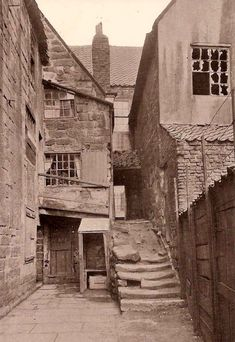 Whitby Arguments Yard 15 - Old Photos of Whitby