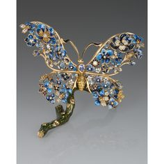 Jay Strongwater Annabel Floral Butterfly Figurine (2.895 BRL) ❤ liked on Polyvore featuring home, home decor, jay strongwater figurines, floral home decor, butterfly figurines, handmade home decor and jay strongwater
