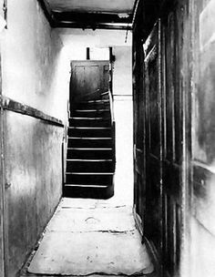 29 Hanbury Street passage