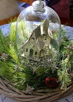 37 Winter Decorating Ideas for After Christmas You Can Do This After Christmas, Noel Christmas, Green Christmas, Country Christmas, All Things Christmas, Vintage Christmas, Christmas Bulbs, Christmas Crafts, Xmas