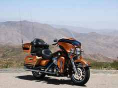 My Harley (although not my picture) 2008 FLHTCU Electra Glide Ultra Classic Anniversary color. Harley Davidson Ultra Classic, 2008 Harley Davidson, Harley Davidson Road Glide, Vintage Harley Davidson, Harley Davidson Motorcycles, Best Bike Shorts, Bagger Motorcycle, Touring Motorcycles, Electra Glide Ultra Classic