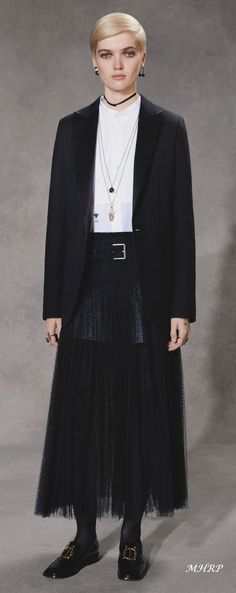 christian-dior-pre-fall-18_image pinned from vogue.com