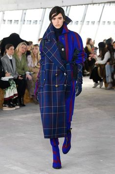 Sacai Fall Winter 2018 2019 Vogue Runway double exposure. Read the Fall Winter 2018 2019 Trends Fashion Week Coverage on Houseofcomil.com