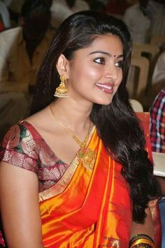 Sneha Hot Orange Saree Stills Indian Film Actress, South Indian Actress, Indian Actresses, Sneha Actress, Bollywood Actress, Tamil Actress, Most Beautiful Indian Actress, Beautiful Actresses, Sneha Saree