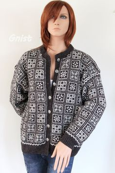Voss ~GNIST~: Arvegods actually, I've made two . Cardigan Sweaters For Women, Knit Cardigan, Norwegian Knitting, Knitting Magazine, Pullover, Bunt, Knitting Patterns, Knit Crochet, Knitwear