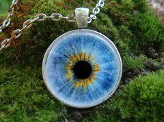 Glow in the dark / Blue Eye / Glowing necklace / от WorldOfGlow