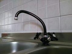 Rubinetto lavello anni '70 - Nero rubinetto per cucina - Arredo vintage cucina - rubinetto antico di VintaFai su Etsy
