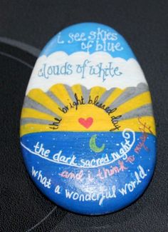 Flowers in pack pocket painted Best Painted Rocks Ideas, Weapon to Wreck Your Boring TiArts And Crafts With Popsicle Sticks then craft out these inspirational DIY rock painting ideas. Rock Painting Patterns, Rock Painting Ideas Easy, Rock Painting Designs, Paint Designs, Pebble Painting, Pebble Art, Stone Painting, Diy Painting, Shell Painting