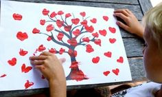 Valentine's Day craft has to involve some hearts. Use the FREE tree template here to make thumb print heart tree artwork with your kids. Projects For Kids, Art Projects, Crafts For Kids, Arts And Crafts, Craft Kids, Project Ideas, Mothers Day Crafts, Valentine Day Crafts, Valentines
