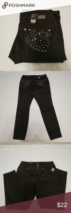 Earl black skinny jeans These jeans have plenty of bling on them and you will get many compliments. They are also extremely comfortable. Earl Jeans Jeans Skinny