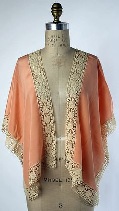 Bed jacket Date: Culture: American or European Medium: silk, cotton Dimensions: Length at CB: 20 in. Vintage Dresses, Vintage Outfits, Vintage Fashion, Vintage Wardrobe, Bustiers, Pin Up, Flapper Style, Mode Hijab, Couture