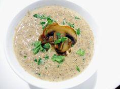 Krämig champinjonsoppa - Recept - Tasteline.com
