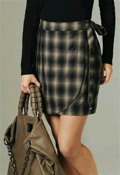 Coisas para usar subjects in photography course - Photography Subjects Diy Dress, Dress Skirt, Couture, Mode Style, Skirt Outfits, Diy Clothes, Autumn Winter Fashion, Tartan, Fashion Clothes