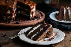 Σοκολατένιο Κέικ με Espresso, Μασκαρπόνε και Καραμέλα