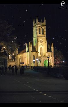 Shimla Christ Church India - A chilly, starry winter night, and the beautifully lit Christ Church located on Mall Road, Shimla. Shimla, Tourist Places, Places To Travel, Beautiful Places To Visit, Cool Places To Visit, Nature Story, Road Photography, New Background Images, Nature Aesthetic