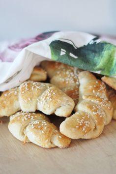 KakkuKatri: Juustosarvet Pretzel Bites, Bread Baking, Gourmet Recipes, Bakery, Rolls, Food And Drink, Cooking, Breakfast, Koti
