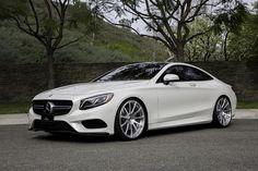 Mercedes-Benz S Class Coupé Classy Cars, Sexy Cars, Hot Cars, Mercedes S Class, Mercedes Benz Cars, Merc Benz, Benz S Class, Luxury Cars, Luxury Hotels