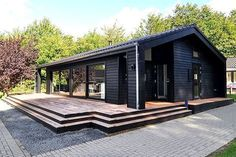 Black Line 99 - Stenhøj Husene Modern Barn House, Black House Exterior, Shed Homes, Tiny House Cabin, House In The Woods, Home Fashion, House Painting, Future House, Building A House