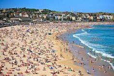 Bondi Beach Beach in Sydney, New South Wales Australia Visa, Australia Travel, Australia Tourist Attractions, Australia Weather, Christmas In Australia, Honduras Travel, Sydney Beaches, Videos Instagram, Videos Tumblr