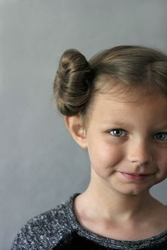 Get ready to geek out over these creative Star Wars costume ideas. From Luke Skywalker and Princess Leia to Yoda and Chewbacca, use the force (and these easy tutorials) to craft DIY Star Wars costumes for Halloween. Princess Hairstyles, Little Girl Hairstyles, Bun Hairstyles, Trendy Hairstyles, Wedding Hairstyles, Princess Leia Buns, Princess Leia Costume Kids, Jedi Princess, Princess Style