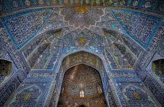 <h3>Мечеть Джами в Исфахане, Исфахан, Иран</h3><p>Строительство этой мечети началось в 1611 году и было закончено 18-ю годами позже.</p>