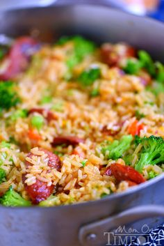 Cheesy Kielbasa, Rice and Broccoli Skillet - your new favorite dinner! Extra cheesy, and bursting with flavor, it's a recipe you'll make again and again! Kielbasa Recipes Rice, Sausage Recipes, Beef Recipes, Cooking Recipes, Orzo Recipes, Chilli Recipes, Cooking Gadgets, Pizza Recipes, Easy Cooking