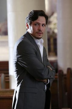 "Jack Porter Looks Concerned in Revenge Season 2, Episode 9, ""Revelations"""