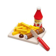 Content: 1 cutting board, 1 knife, 1 curry sausage for cutting up (5 chunks), 1 ketchup bottle, 12 potato chips
