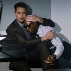 A character on the hit NBC show suffered from a panic attack this week—and the portrayal was spot-on. : A character on the hit NBC show suffered from a panic attack this week—and the portrayal was spot-on. Justin Hartley, Serie This Is Us, Movies Showing, Movies And Tv Shows, Netflix, Cinema, Drame, This Is Us Quotes, People