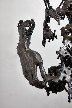 Il y a déjà deux ans de ça, nous vous présentions le travail de l'artiste Regardt van der Meulen qui vit et travaille à Johannesburg (voir l'article). Son