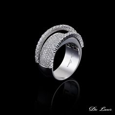 Happiness is...... a beautiful #DeLaur ring on your finger.  #Ring #Diamonds #Happiness #FineJewelry  Model: K 260