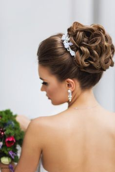 Lovely bridal look Make up, hairstyles Web: www.elstile.ru, www.elstile.com