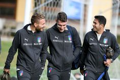 (L-R) Ciro Immobile, Andrea Belotti and Citadin Martins Eder of Italy chat prior to the training session at Italy club's training ground at Coverciano on November 6, 2017 in Florence, Italy.