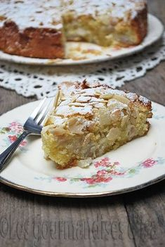 French Desserts, Köstliche Desserts, Delicious Desserts, Yummy Food, Pear And Almond Cake, Almond Cakes, Pear Cake, Sweet Recipes, Cake Recipes