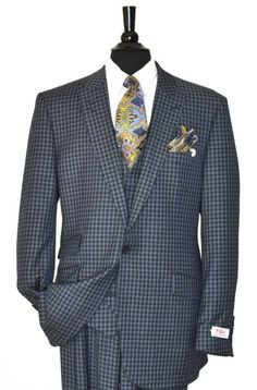 Tiglio Rosso Navy/Grey Men's Suit - MADE IN ITALY Change tie and pocket scarf re shoot hell of a suit though Sharp Dressed Man, Well Dressed Men, Mens Attire, Mens Suits, Moda Do Momento, Suit Fashion, Mens Fashion, Dress For Success, Suit And Tie