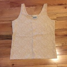 Chico's Stitched Detailed Cami, beige, Sz 1 (S/8) Chico's Stitch detailed Lace like Cami, beige, Sz 1 (S/8), NWOT, Never Worn, Very feminine Chico's Tops Camisoles