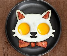 Make breakfast fun for everyone with this cat egg mold! It