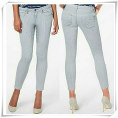 👖 Cropped Anckle Skinny nautical pinstripe jeans. 🌟The style is relaxed at the knee and crops at the anckle. It's slanted back pockets give your rear the perfect lift. Colors dusty blue, off white. A bit of texture.  🌟Details: the measurments look strange (some sizes are pretty close ), but it's real meaurments.  🌟Please use only ✔OFFER 👈 button for all price negotiations. I'll do 👉🍓a price drop⤵ for you for discounted shipping, if we agree about the price. JustFab Jeans Ankle…